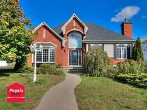 23392477 - Maison à étages à vendre