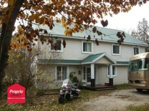 23916924 - Maison à étages à vendre
