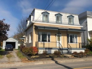 13666861 - Maison à étages à vendre