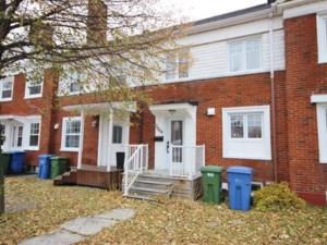 22107079 - Maison à étages à vendre