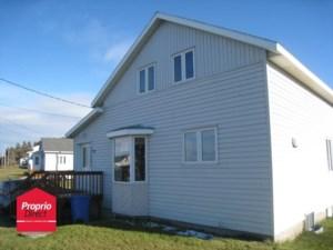 27161973 - Maison à étages à vendre