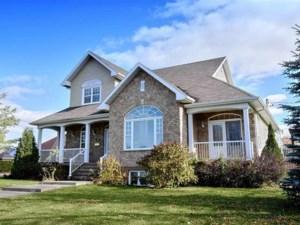 27977196 - Maison à étages à vendre
