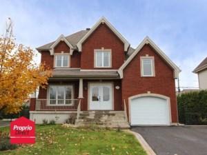 22785842 - Maison à étages à vendre