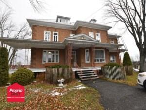 15690517 - Maison à étages à vendre