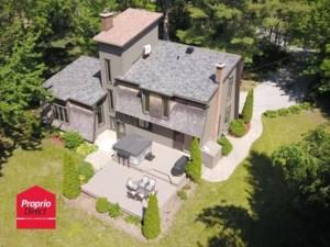 22936111 - Maison à étages à vendre
