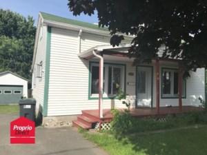 22421561 - Maison à 1 étage et demi à vendre