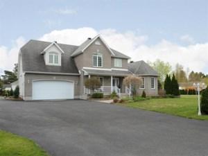24583157 - Maison à étages à vendre