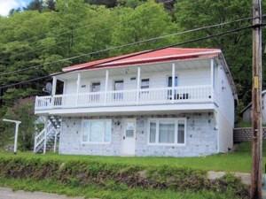 22057387 - Maison à étages à vendre