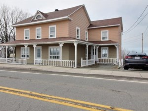 27569158 - Maison à étages à vendre