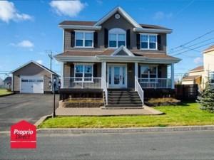 27426456 - Maison à étages à vendre