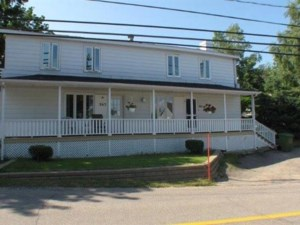19713258 - Maison à étages à vendre
