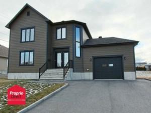 22471668 - Maison à étages à vendre