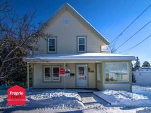 23420490 - Maison à étages à vendre