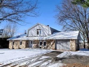 25481327 - Maison à étages à vendre