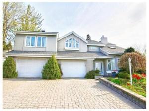 13711692 - Maison à étages à vendre