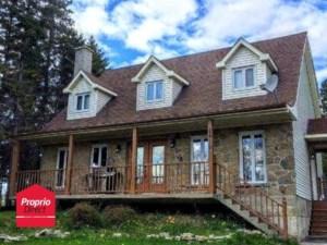 28376357 - Maison à étages à vendre