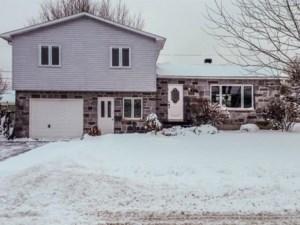 15729171 - Maison à étages à vendre