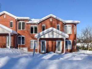23579634 - Maison à étages à vendre