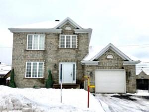 15769914 - Maison à étages à vendre