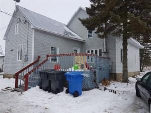 24979967 - Maison à 1 étage et demi à vendre