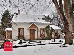 24385030 - Maison à étages à vendre
