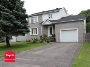 23767825 - Maison à étages à vendre