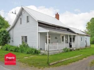 26029601 - Maison à étages à vendre