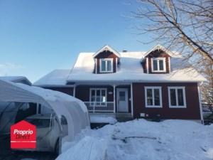 22588112 - Maison à étages à vendre