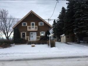 20766994 - Maison à étages à vendre