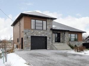 27396212 - Maison à étages à vendre