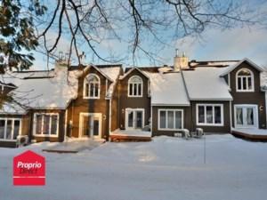 27251019 - Maison à étages à vendre