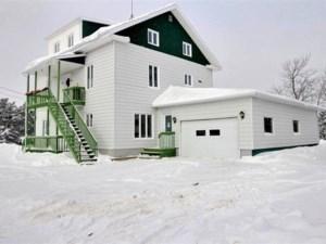 23775281 - Maison à étages à vendre