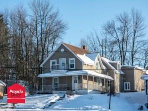 24520265 - Maison à étages à vendre