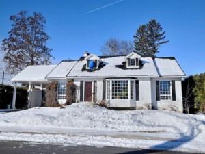 9854563 - Maison à étages à vendre