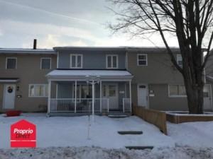 23601880 - Maison à étages à vendre