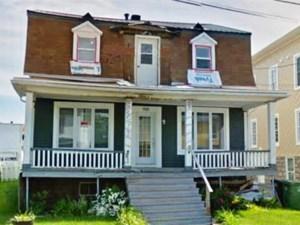 19143256 - Maison à étages à vendre