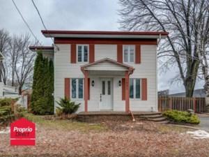 28275581 - Maison à étages à vendre