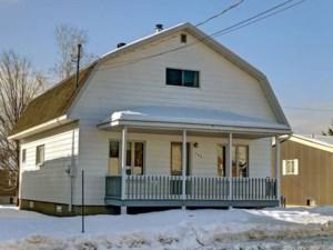 20271914 - Maison à étages à vendre
