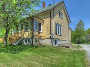 23658968 - Maison à étages à vendre