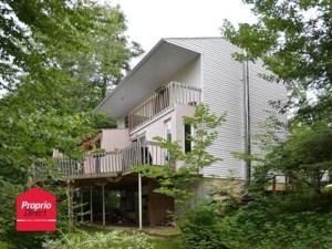 13370244 - Maison à étages à vendre