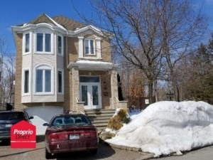 10592945 - Maison à étages à vendre