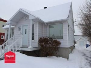 10745454 - Maison à étages à vendre