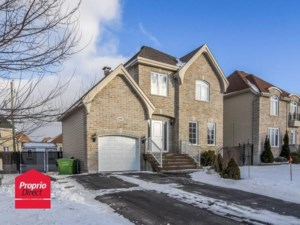 12617365 - Maison à étages à vendre