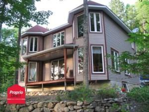 9582513 - Maison à étages à vendre