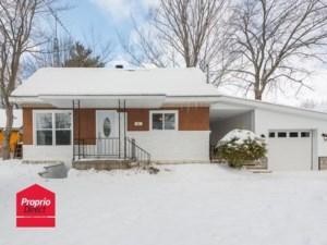 16008231 - Maison à étages à vendre
