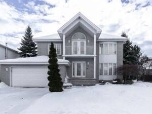 10452631 - Maison à étages à vendre