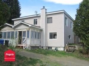 16740418 - Maison à étages à vendre