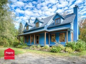 28465302 - Maison à étages à vendre