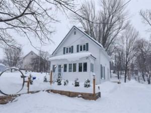 23374417 - Maison à étages à vendre