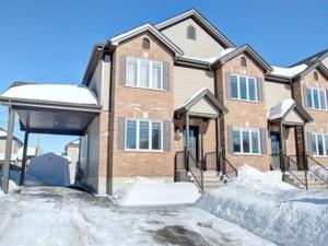 12884052 - Maison à étages à vendre